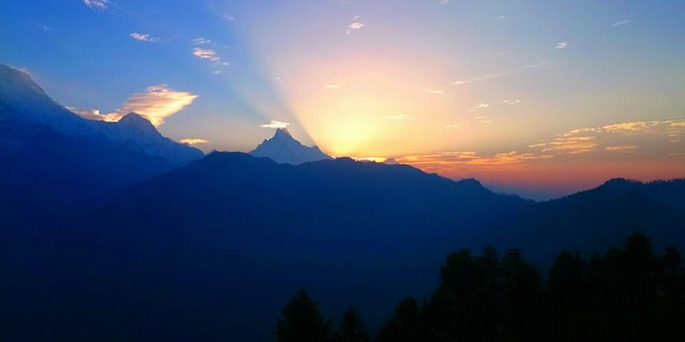 Amazing Sunrise Views from Poon hill with Fishtail and Himchuli!
