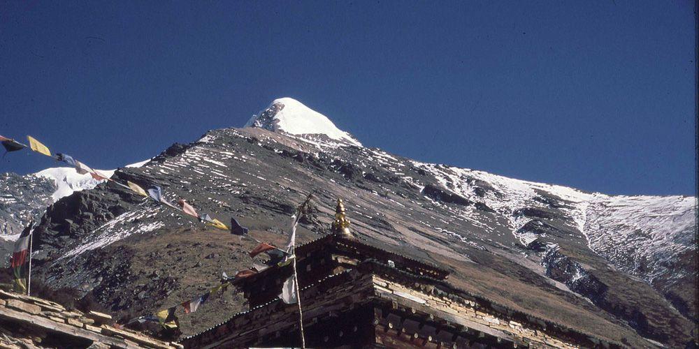 Pisang Peak Climbing with Thorong la Pass.